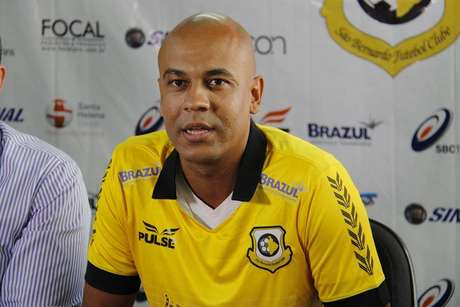 <p>Alex Silva vai jogar pelo Brasiliense</p>
