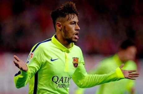 Neymar marcou dois gols logo no primeiro tempo