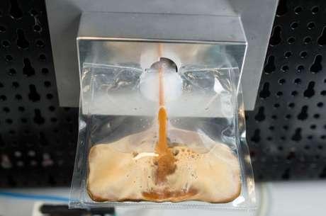 a Empresa de café Lavazza anunciou que está trabalhando com uma empresa de engenharia e especialistas de alimentos Argotec para construir uma máquina de café italiano para os astronautas