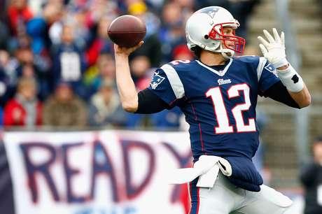 Patriots humilharam Colts por 45 a 7 com fraude nas regras da NFL