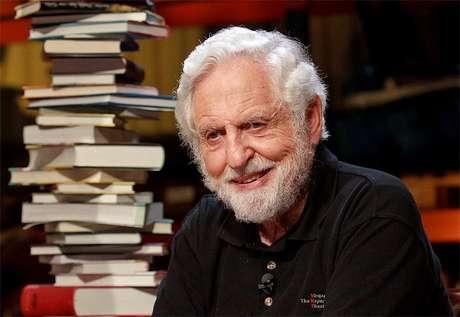 <p>Djerassi foi condecorado com a Medalha Nacional de Ciência em 1973 por sua contribuição para a nova forma anticoncepcional.</p>