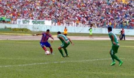 <p>Time tricolor estreou no Campeonato Baiano com derrota fora de casa</p>