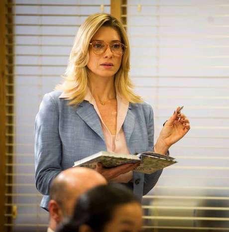 f5ec93ec472da O oitavo lugar é dos óculos de grau da Gilda (Letícia Spiller), de