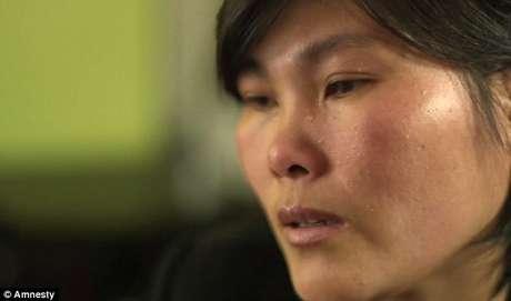 Hoje, refugiada na Mongólia, ela chora por se lembrar das condições vividas no país durante anos
