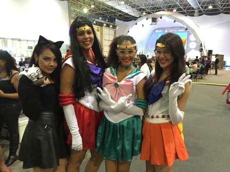 "<p>Grupo de campuseiras se veste de personagens da série japonesa ""Sailor Moon""</p>"