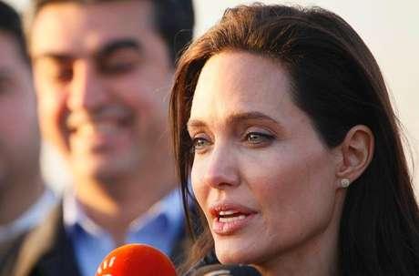 <p>Atriz Angelina Jolie durante entrevista em Dohuk, norte do Iraque em janeiro de 2015</p>