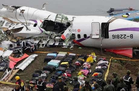 Avião da TransAsia Airways que caiu em rio de Taipé, Taiwan. 05/02/2015