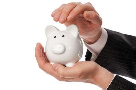 É dever da instituição financeira informar o valor total financiado, a taxa mensal e anual de juros, número e periodicidade das prestações e a soma total a pagar por empréstimo