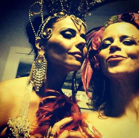 <p>Viviane Araujo postou no Instagram foto ao lado de Dani Barros dos bastidores das gravações</p>