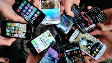 El celular nos presta un servicio invaluable. ¿Pero a qué precio?