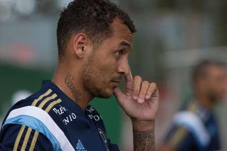 Alan Patrick está de malas prontas para o Flamengo