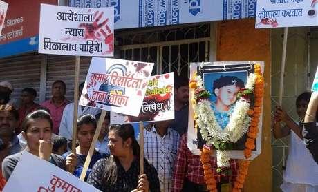 Mulheres protestam pela morte da menina de 7 anos