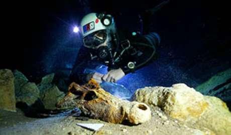 Cemitério de lêmures gigantes foi achado por cientistas em cavernas subterrâneas