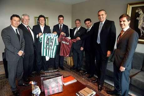 Governador Beto Richa e presidentes do trio de ferro reunidos no Palácio do Governo, no início da semana