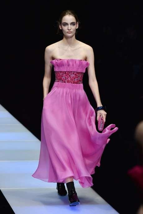 <p>No vestido tomara que caia da Armani </p>