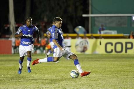 Allione marcou um dos quatro gols do Palmeiras na estreia da competição