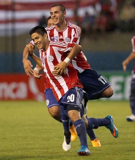 <p>Paraguai comemora importante vit&oacute;ria na estreia no Sub-17</p>