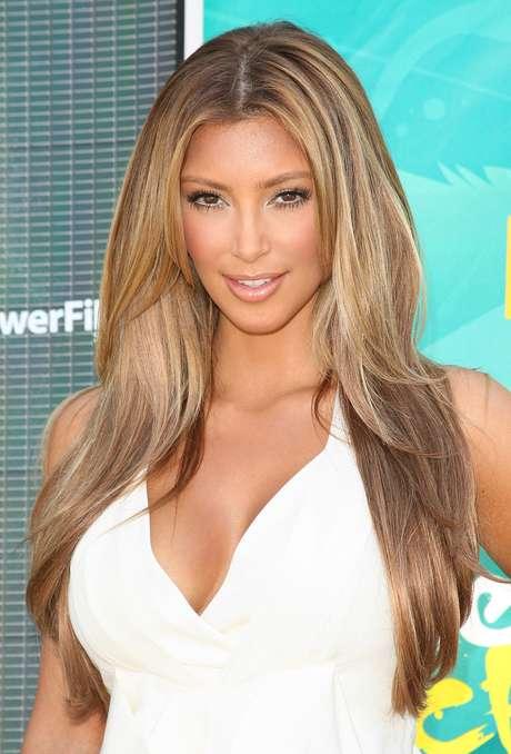 Em 2009, Kim apostou em cabelo com luzes