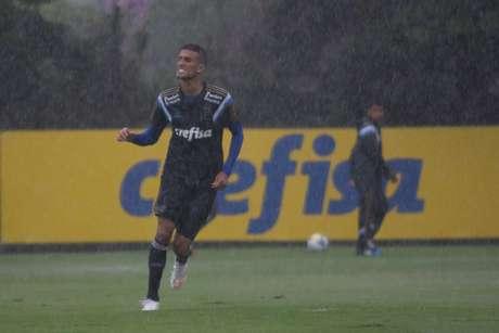 <p>Rafael Marques ser&aacute; uma das armas do Palmeiras contra Bragantino</p>
