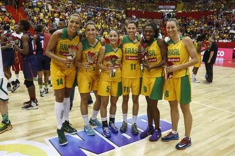 Brasileiras fizeram a festa dos torcedores no Ginásio Pedrocão