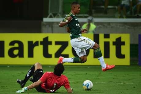 <p>Gabriel Jesus ficou 20 minutos em campo e deu trabalho à defesa do Bragantino</p>