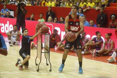 Marcelinho Machado foi bicampeão nos arremessos de três pontos