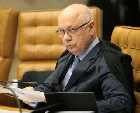 O ministro do STF Teori Zavascki em sessão plenária, em Brasília. 25/02/2015