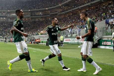 <p>Palmeiras venceu por 1 a 0 e segue líder do Grupo 3</p>