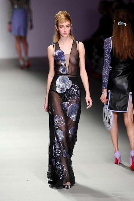 Holly Fulton também aderiu à transparência na Semana de Moda de Londres