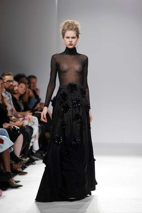 Seios à mostra na apresentação da PPQ, na Semana de Moda de Londres