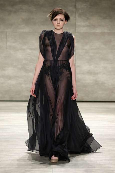 Mais seios à mostra na passarela da Leanne Marshall, na Semana de Moda de Nova York