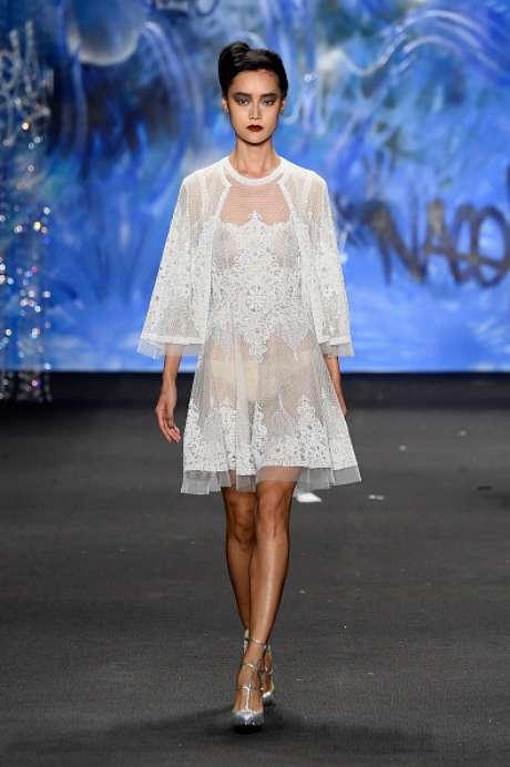 Mais um look revelador. O vestido é da Naeem Khan, na Semana de Moda de Nova York