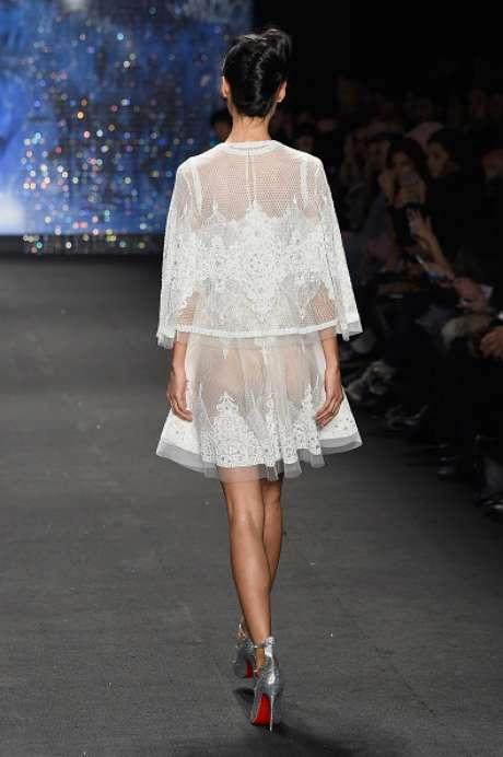 O bumbum também ficou à mostra na passarela da Naeem Khan, na Semana de Moda de Nova York