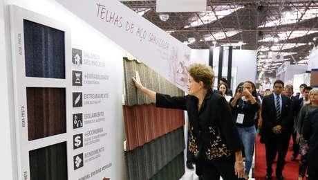 Em SP, a presidente visitou uma feira internacional de construção civil, no Anhembi (zona norte)