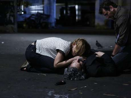 <p>Cristina não se conforma com a morte do pai</p>