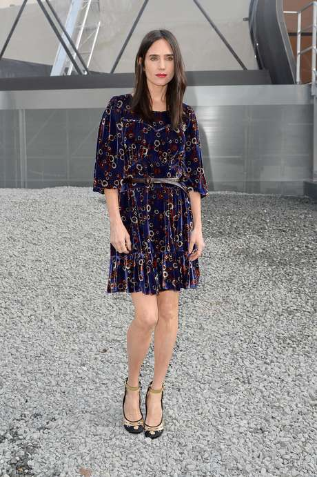 A atriz hollywoodiana Jennifer Connelly esteve no desfile da Louis Vuitton