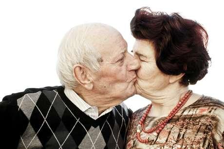 <p>Pesquisa concluiu que mais da metade dos homens com mais de 70 anos continuam sexualmente ativos</p>