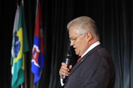 Presidente do Paraná, por outro lado, não apresentou soluções na reunião
