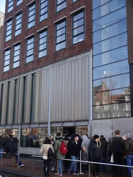 Fila para visita ao local onde viveu (e se escondeu) Anne Frank
