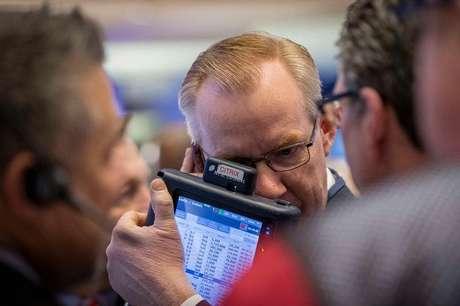 <p>Na semana, a moeda americana subiu 6,3%, acumulando alta de 13,76% desde o início do mês</p>