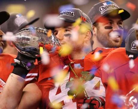 <p>Defensor brilhou na universidade e estreou na NFL em 2014</p>