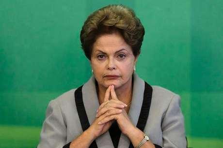 <p>Dilma negou que fará reforma ministerial após a saída de CidGomes</p>