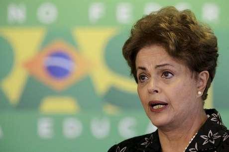 <p>Jornal discorda da presidente&nbsp;Dilma Rousseff</p>