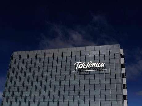 <p>Valente continuará como presidente não executivo do Conselho de Administração da Telefónica Brasil, posição que assume uma relevância especial em um mercado-chave como o Brasil.</p>