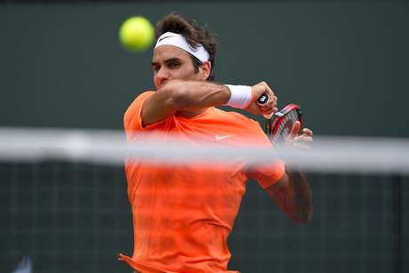 <p>Federer lutou, mas foi derrotado por Djokovic na final de Indian Wells</p>