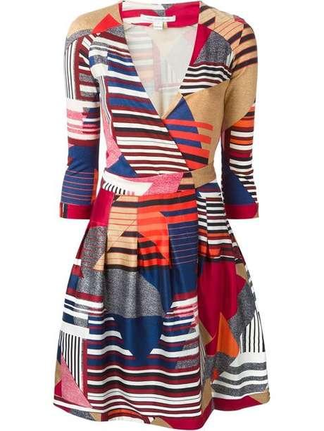 Sabe aquele vestido envelope criado pela estilista Diane Von Fürstenberg nos anos 70 e que fica bom em qualquer corpo feminino, mesmo não sendo uma Gisele? Com toda fortuna da top, seria possível comprar 543.945 peças do modelo de seda estampado de R$ 4.040, disponível na Farfetch.