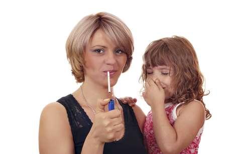 Presença de nicotina no sangue pode ajudar a criar placas nas artérias e dificultar a passagem do sangue