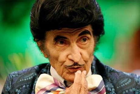 Ator e advogado Jorge Loredo, famoso pelo personagem Zé Bonitinho, morreu aos 89 anos devido a problemas pulmonares