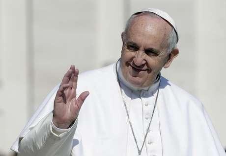 """<p>""""Dança do Papa"""" seria um vídeo com um vírus que poderia formatar os smartphones</p>"""