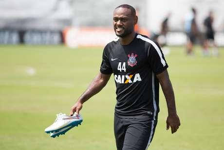 Vagner Love tem a missão de substituir Guerrero no ataque do Corinthians